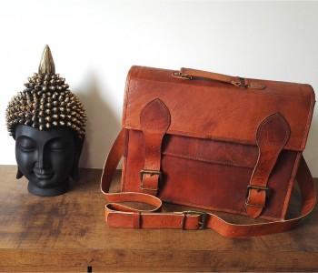 Jaka torba na laptopa: plecak czy skórzana torba na ramię?